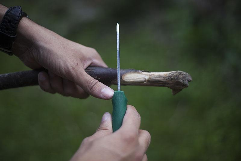 wide camping knife hultafors gk