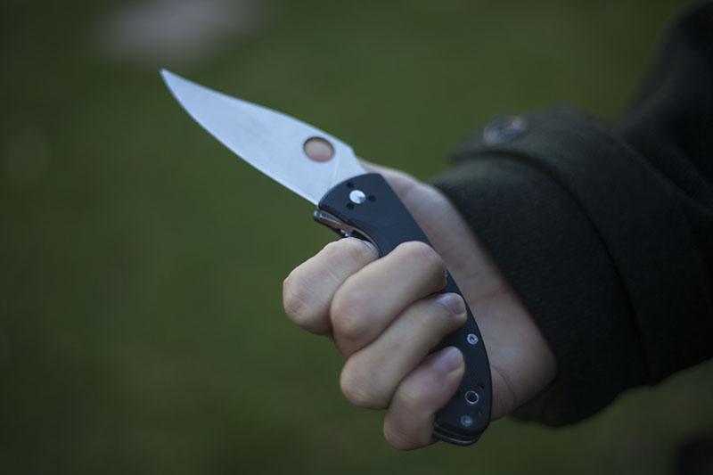 edc knife spyderco tenacious folder