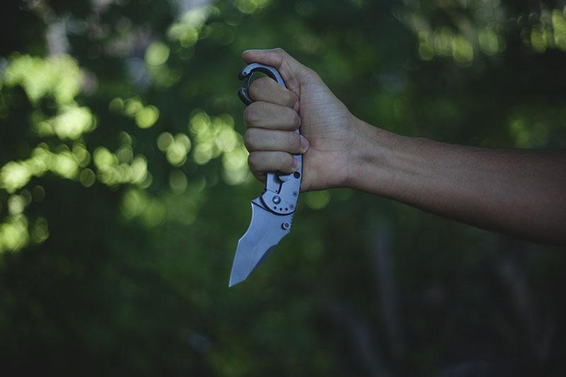 frame lock tacticla knife review boker plus clb karambit