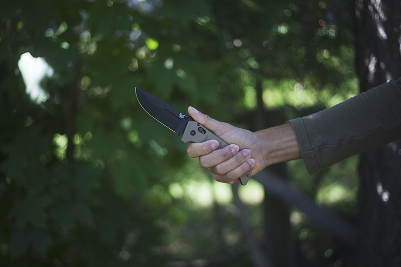 survival gear benchmade adamas review folding everyday carry