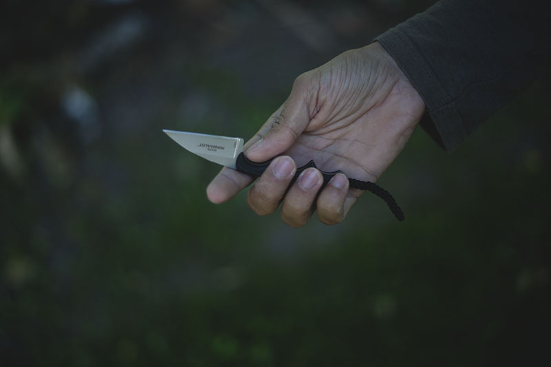 everyday carry neck knife folts warncliffe crkt minimalist review