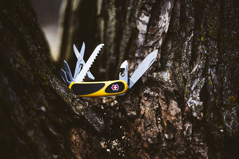 multi-tool gear review victorinox evogrip s18 swiss army knife