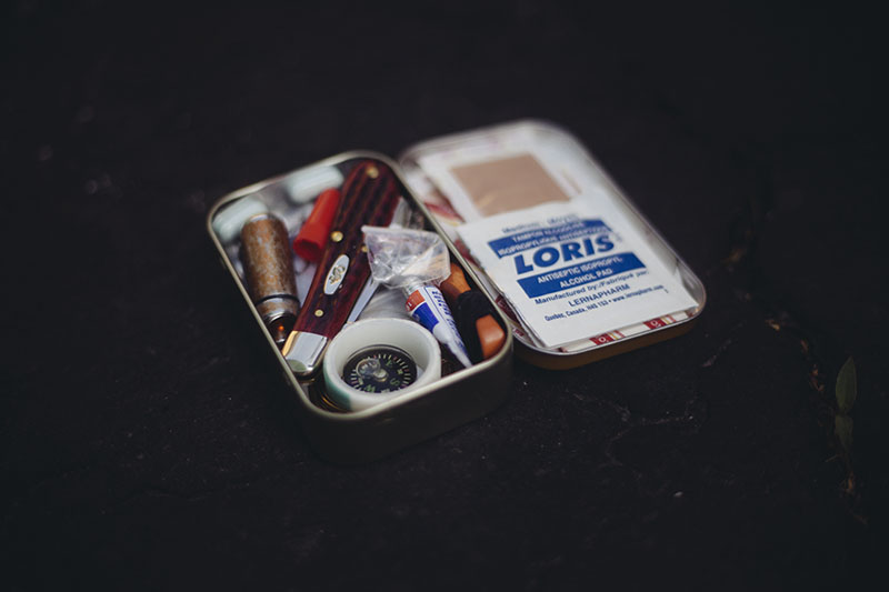emergency survival kit altoids tin small everyday carry box