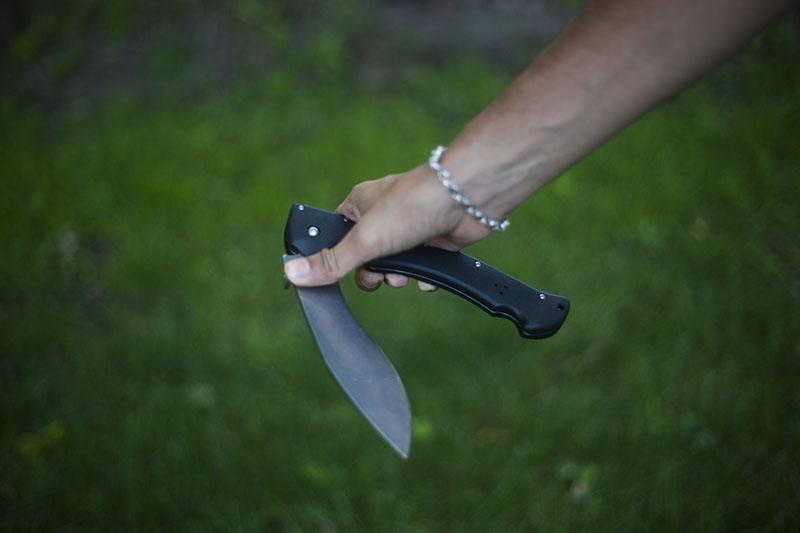 extra large folding pocket knife cold steel rajah 2 review