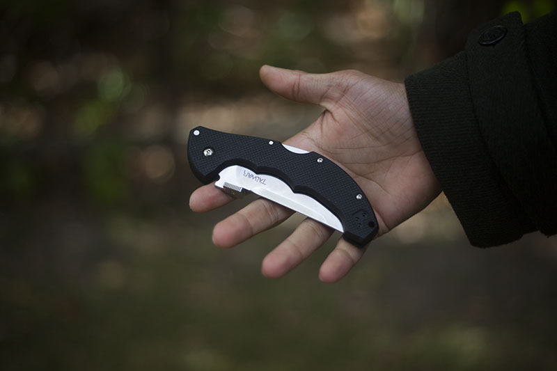 survival blog tactical folding knife review cold steel talwar
