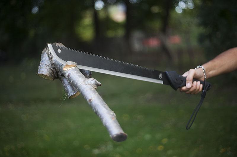 survivalist fixed blade knife outdoor machete gerber gator gear