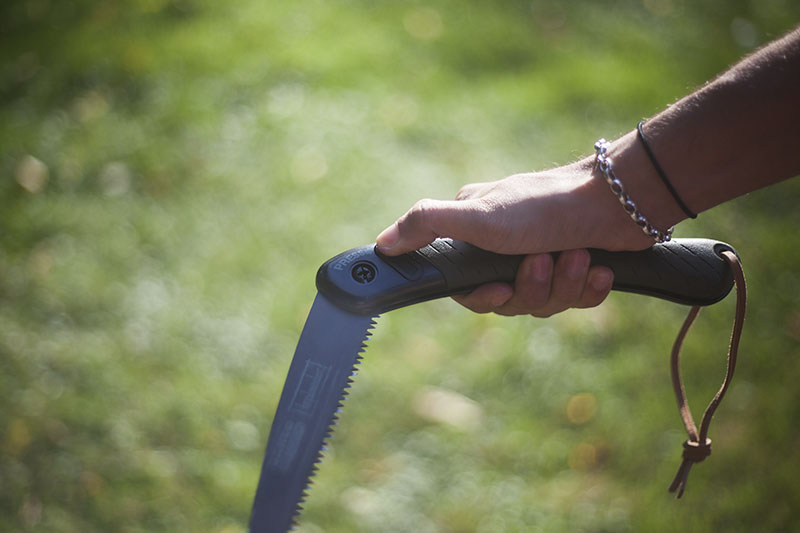gear survivalist prepper bahco laplander review bushcraft wood saw