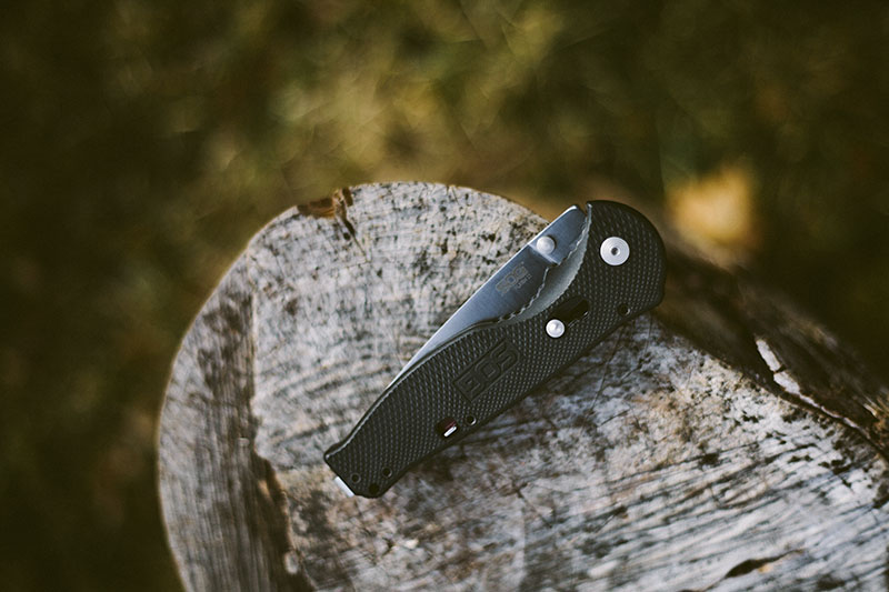 everyday carry folding pocket knife sog flash ii review