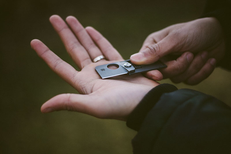 everyday carry pocket knife spyderco squarehead review
