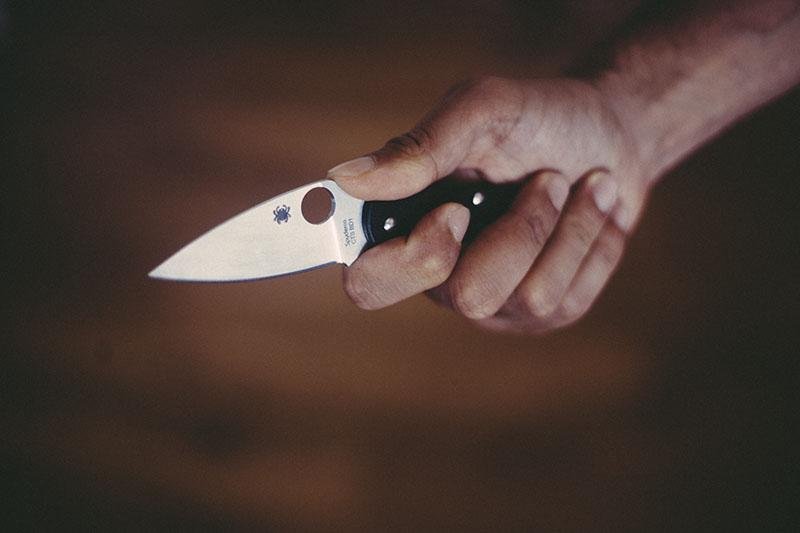 world legal edc everyday carry folding knife spyderco ukpk review