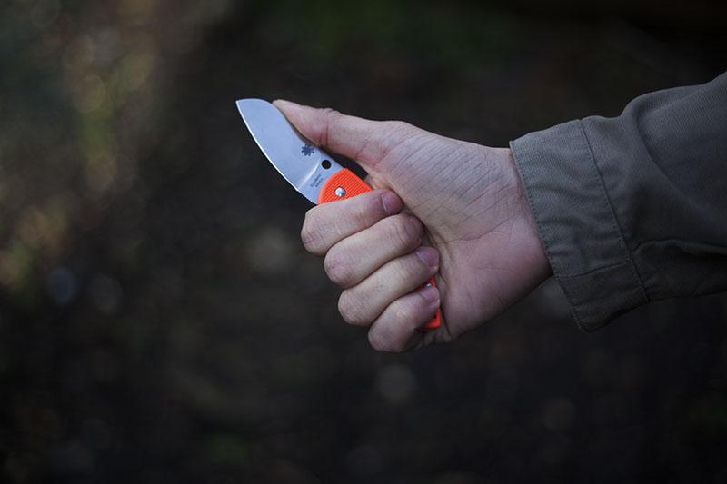 testing folding slipjoint knife uk denmark legal spyderco pingo review