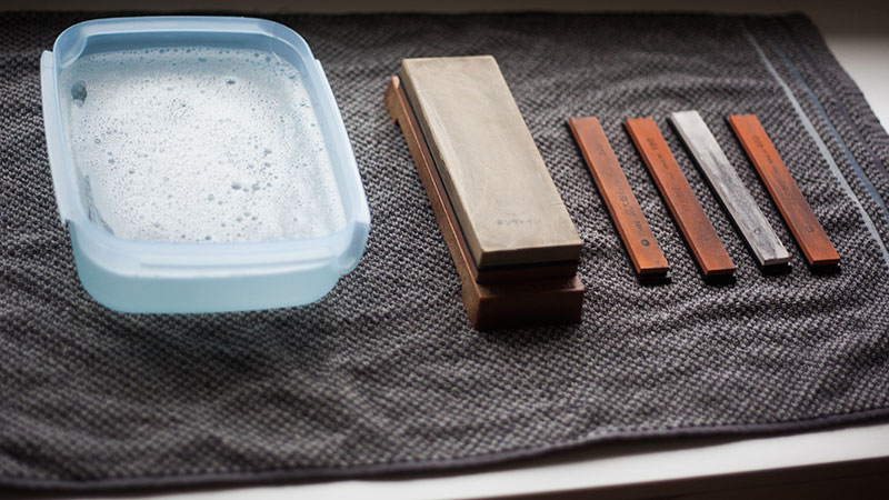 sharpening with japenese waterstone whetstone sharpen pocket knife