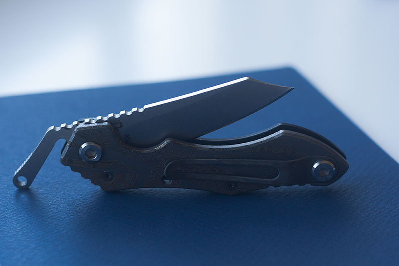quartermaster-barney-mcgrew-flagged-folding-knife