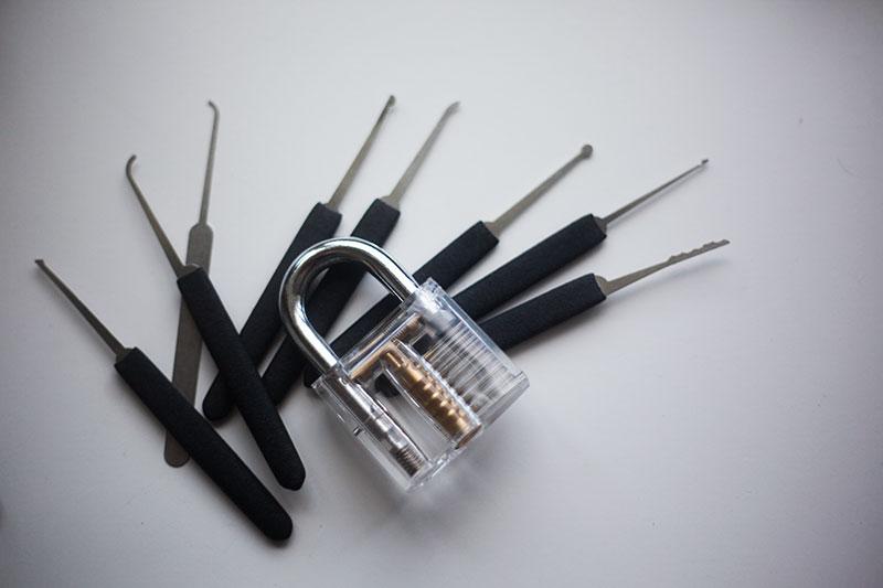 practice-lockpicking-with-these-locks-beginner-intermediate-hard