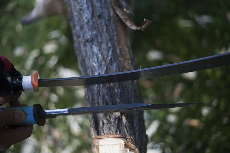 ontario marine raider bowie vs gerber bear grylls parang machete