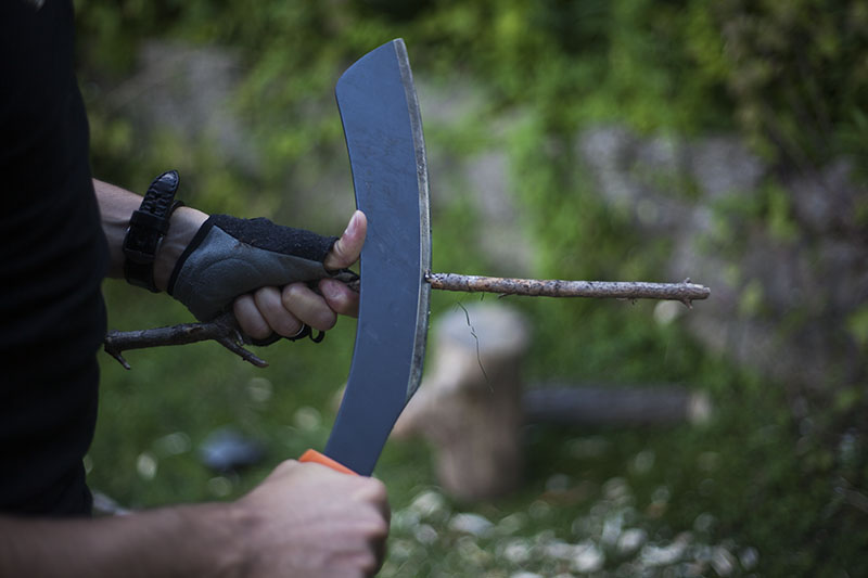 testing gerber bear grylls parang machete