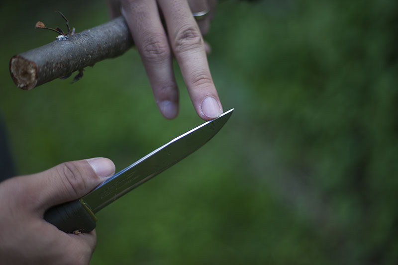 mora bushcraft forest 2010 knife spine