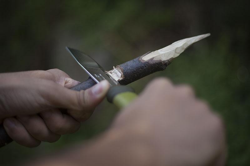 camping knife mora 2000 in use