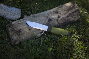 mora-2000-outdoor-fixed-blade-knife-review