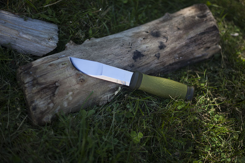 mora 2000 more than just surviving knife review