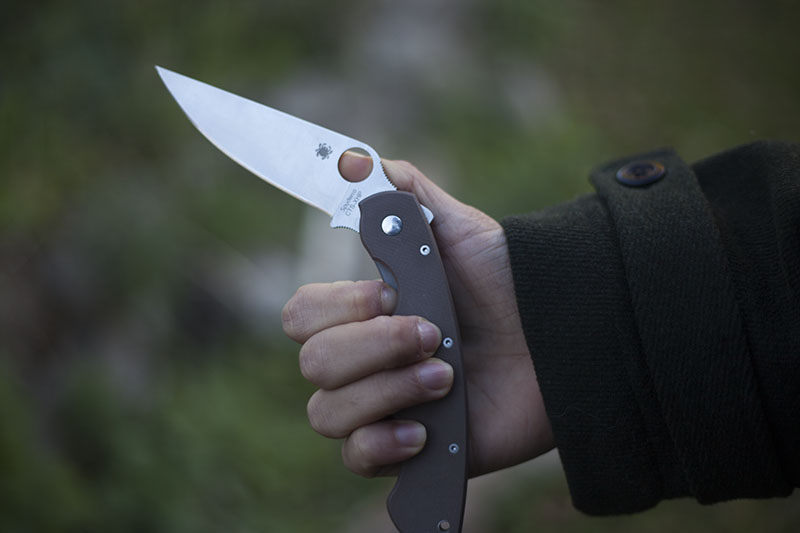 survival blog knife review spyderco military edc