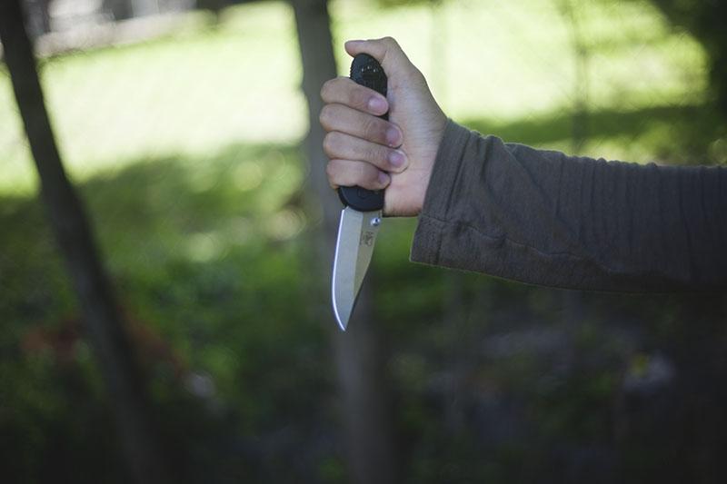 folding everyday carry knife axis lock benchmade griptilian