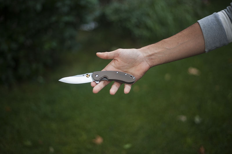 flipper knife spyderco southard review g10 scales