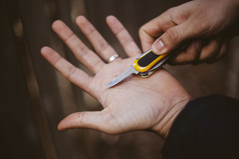 multi-tool review victorinox evogrip s18 swiss army knife edc gear