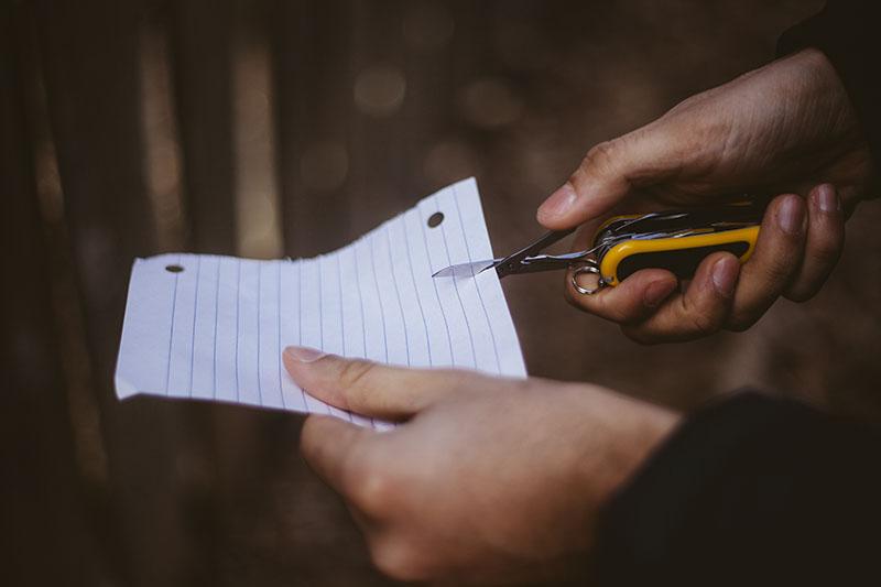 victorinox review yellow evogrip s18 modern swiss army knife