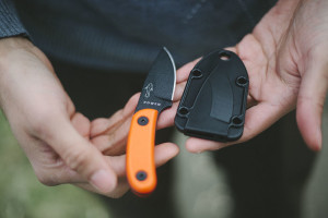 survivalist-gear-edc-esee-candiru-review-bushcraft-neck-knife
