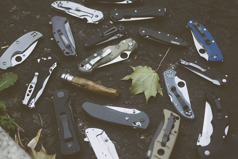 everyday carry pocket knife best folding edcs article image outtake