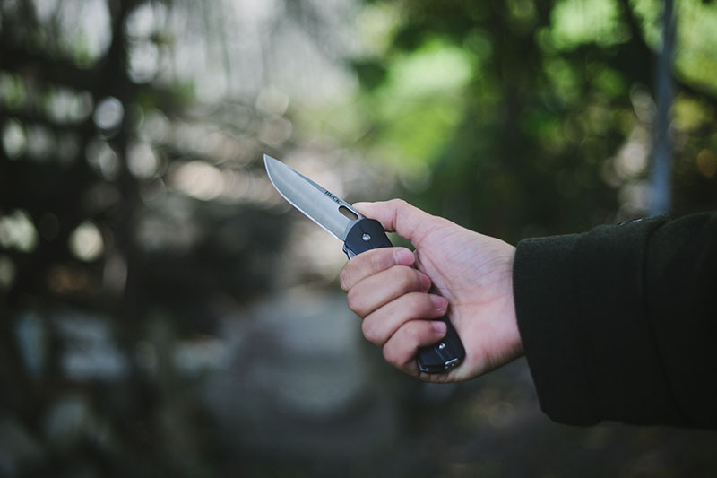 survival blog everyday carry folding pocket knife flipper buck vantage review