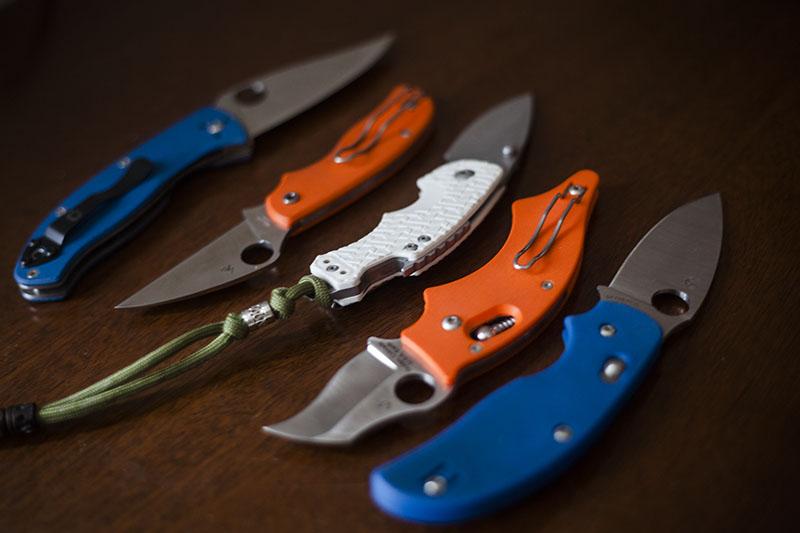 blue-orange-white-handle-edc-folding-pocket-knives