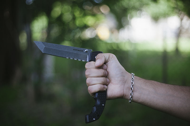 everyday carry gear review survivalist blog cold steel voyager xl tanto knife