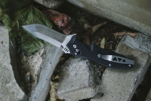 edc-folding-pocket-knife-sog-vulcan-review-survivalist-gear
