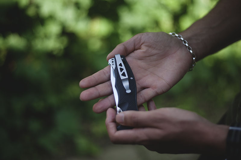 survivalist gear blog review sog vulcan tanto folding pocket knife edc
