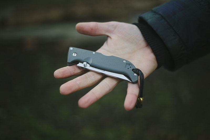 everyday carry outdoor survival knife cold steel finn wolf review