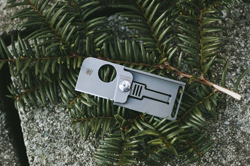 spyderco squarehead titanium dog tag knife review edc