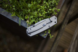 schrade-review-sch304-folding-pocket-knife-edc-gear