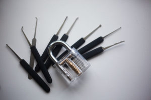 practice-lockpicking-with-these-locks-beginner-intermediate-hard