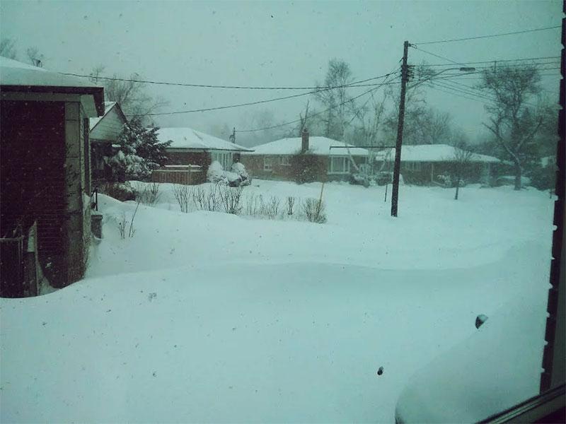 snow-storm-toronto-canada